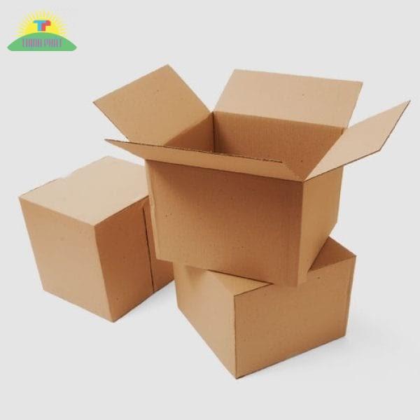 Giấy Carton có đặc điểm dày, chống va đập tốt