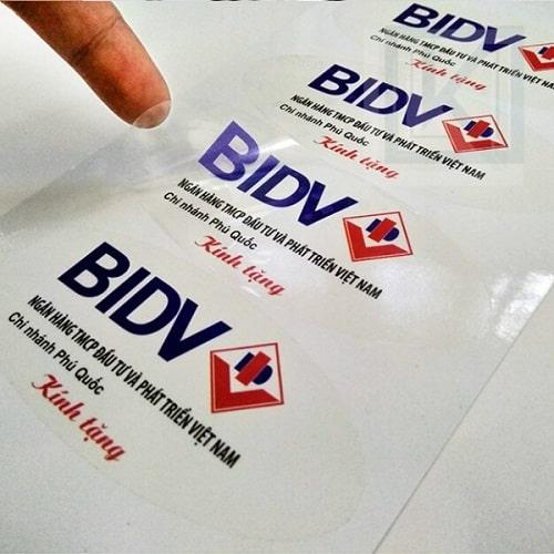 In tem nhãn decal trong ngân hàng BIDV