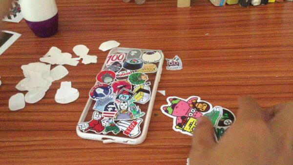 Trào lưu in sticker lẻ dán ốp điện thoại