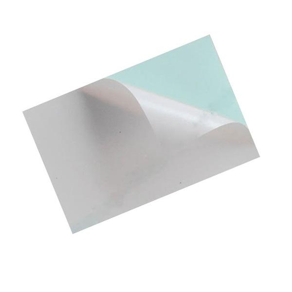 Decal giấy đế xanh được sử dụng để làm tem nhãn cho mỹ phẩm, poster,...